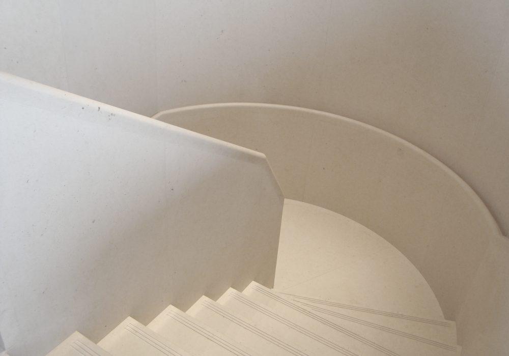 SPP - TOUR EIFFEL escalier